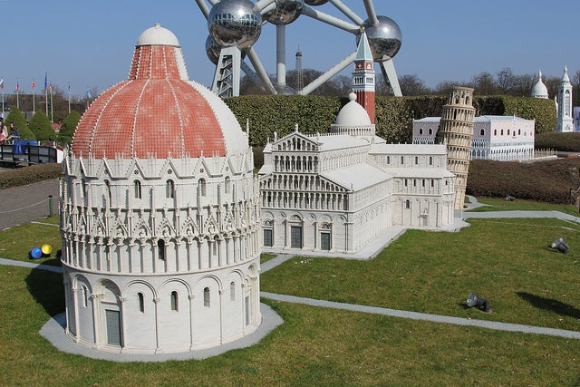 Mini Europe cerca del Atomium de Bruselas