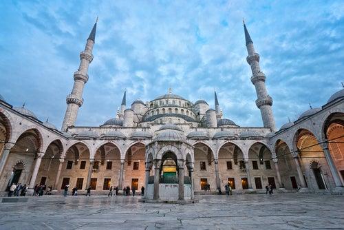 Patio de la Mezquita Azul