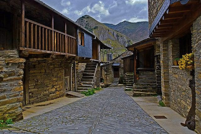 Peñalba de Santiago, uno de los pueblos españoles congelados en el tiempo