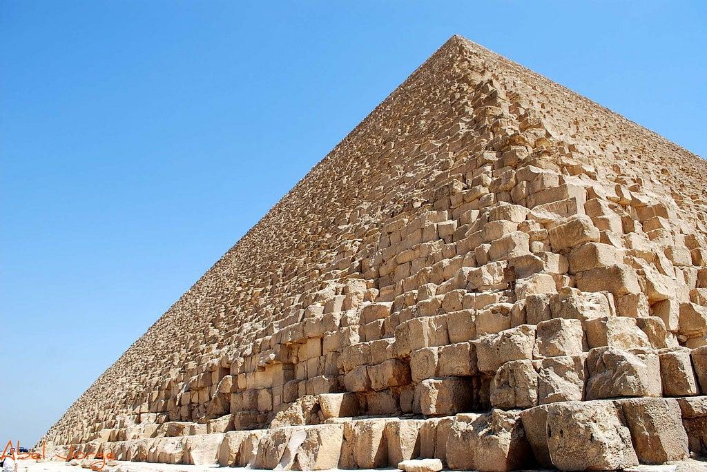 Pirámide de Keops en la Meseta de Guiza