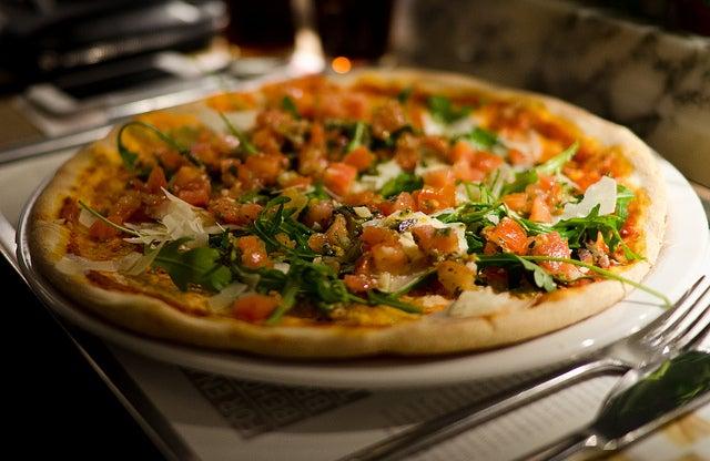 Pizza en Vapiano, restaurante para comer cerca de la catedral de Colonia