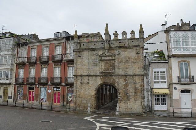 Puerta de Carlos V en Viveiro