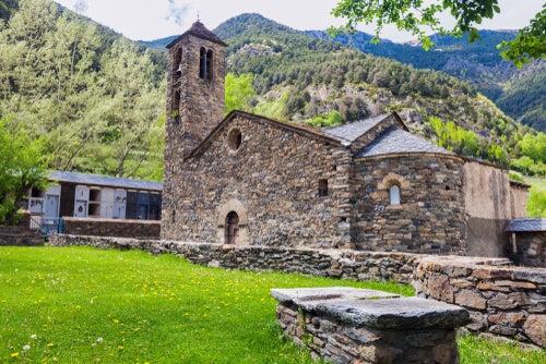 San Martín de la Cortinada una de las iglesias románicas de Andorra