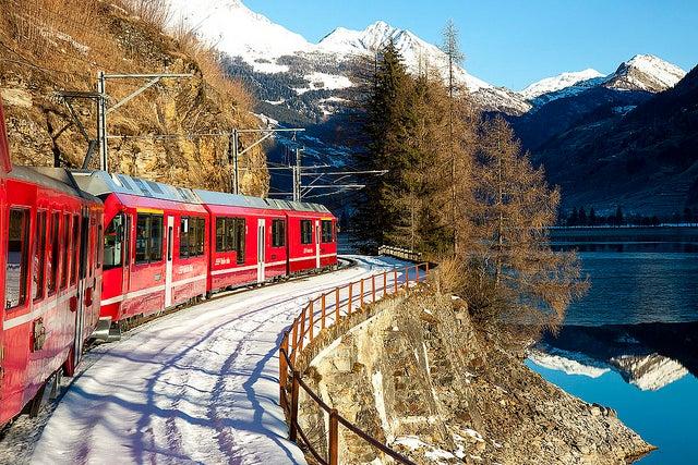 Bernina Express unod e los recorridos en tren por Europa