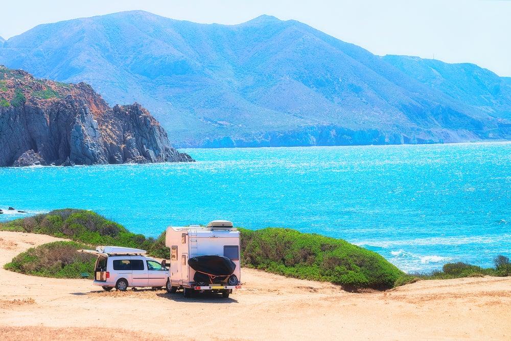 Caravana en la costa mediterránea española