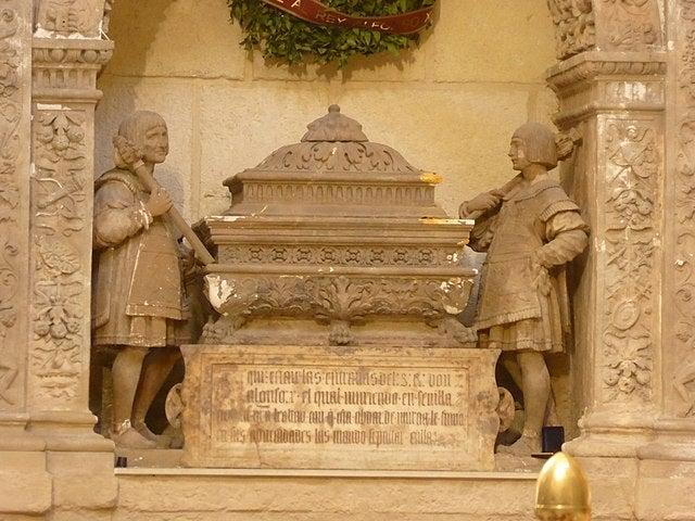Urna de Alfonso X en la catedral de Murcia
