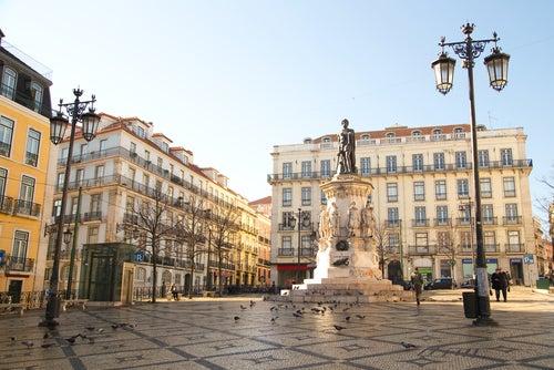Viajar a Lisboa, plaza del Chiado