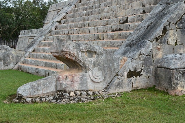 Detalle de la pirámide de Chichén Itzá