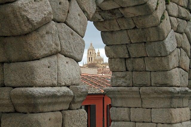 Arco del acueducto romano de Segovia