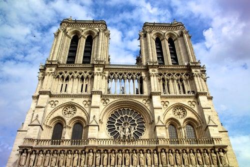 Fachada de Notre Dame de París