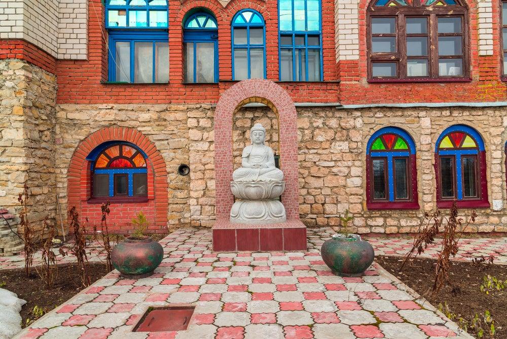 Interior del TEmplo de Todas las Religiones en Kazán