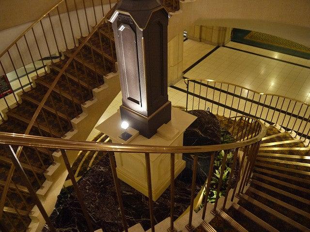 Escalera interior de la torre CN