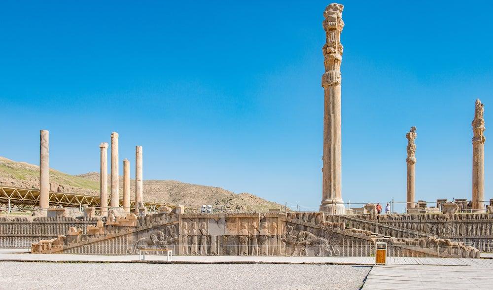 Descubre el Palacio de las Cien Columnas de Persépolis