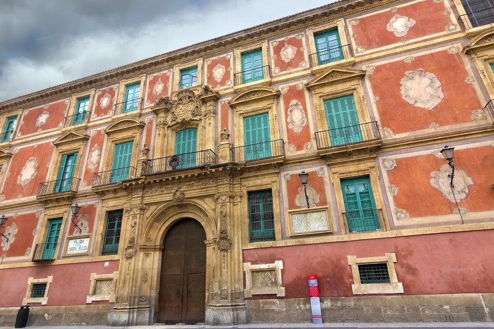 Palacio Episcopal cerca de la catedral de Murcia