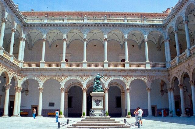 Patio del Alcázar deToledo