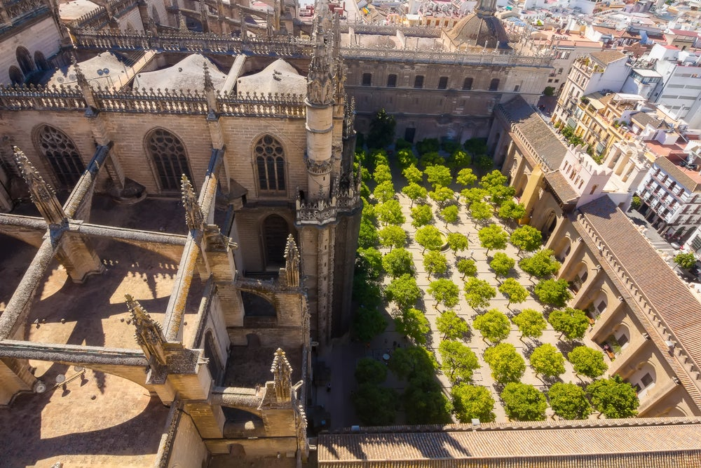 Patio de los Naranjos de la catedral de Sevilla