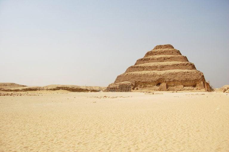 Saqqara y su pirámide escalonada: datos para la visita