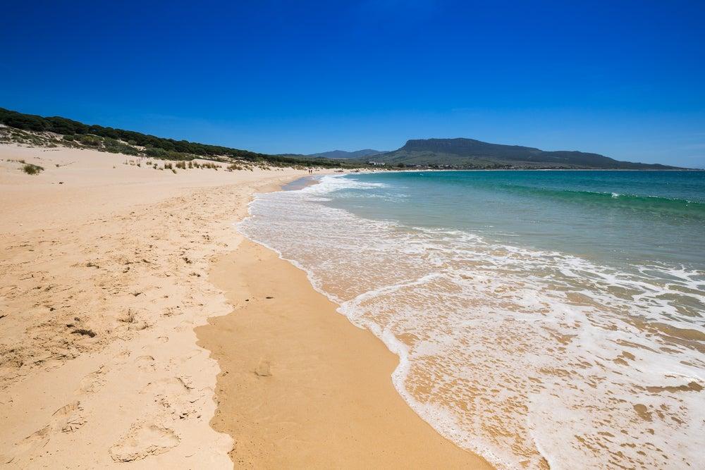 Playa de Bolonia en Cádiz, una de las mejores playas del sur