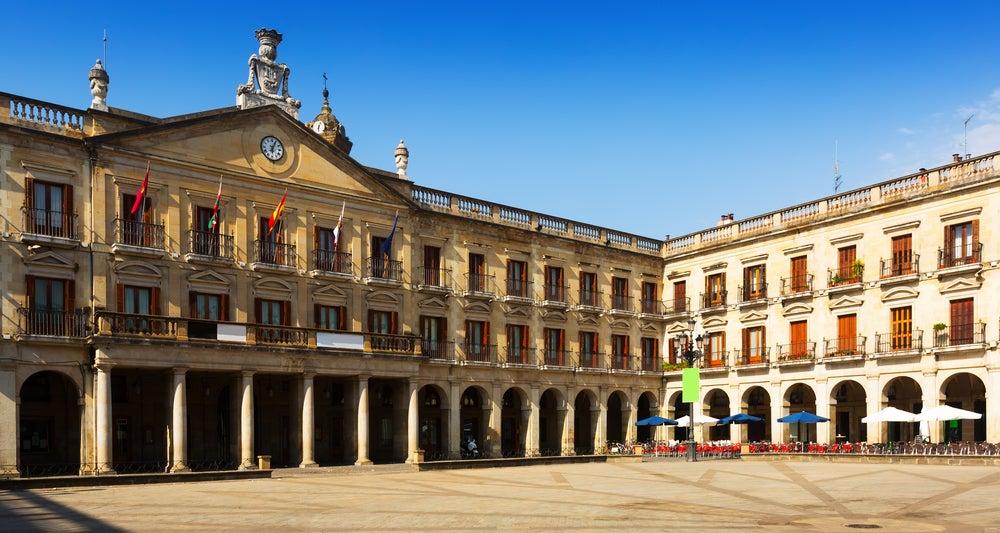 Plaza de España de Vitoria: descubre el corazón de la ciudad