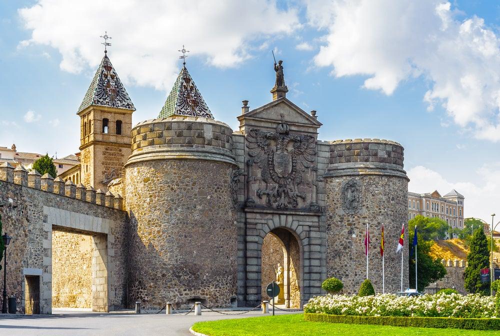 Puertas monumentales: puerta del Bisagra de Toledo