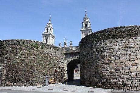 Puerta de Santiago de la muralla romana de Lugo