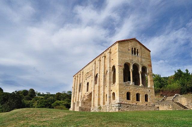 Llegar a Santa María del Naranco