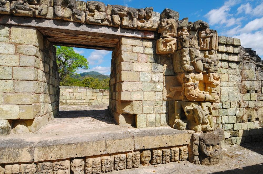 Templo en Copán en Honduras
