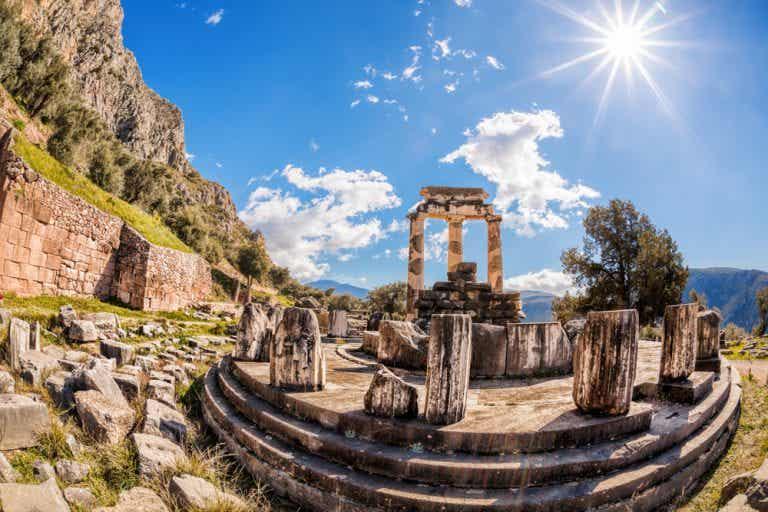 Qué es y dónde está el oráculo de Delfos