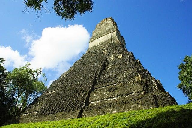 Pirámide en Tikal