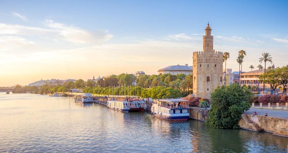 Descubre la historia de la Torre del Oro de Sevilla