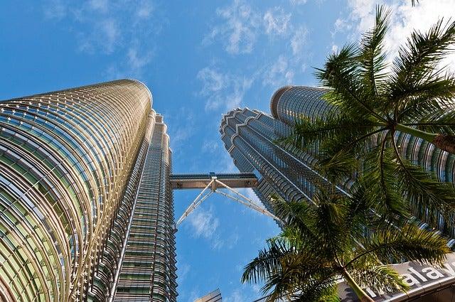 Curiiosidades de las Torres Petronas, vista desde el suelo