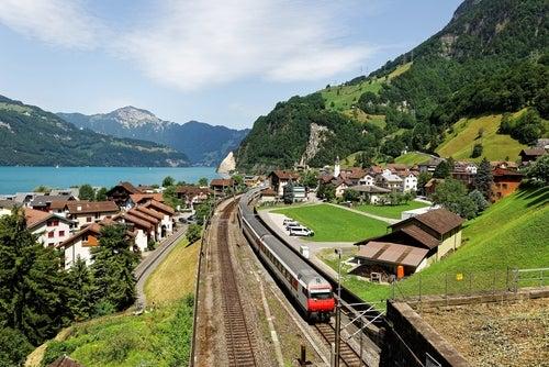 Tren en Lucerna