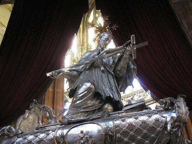 Tumba de San Juan Nemopuceno en la catedral de San Vito
