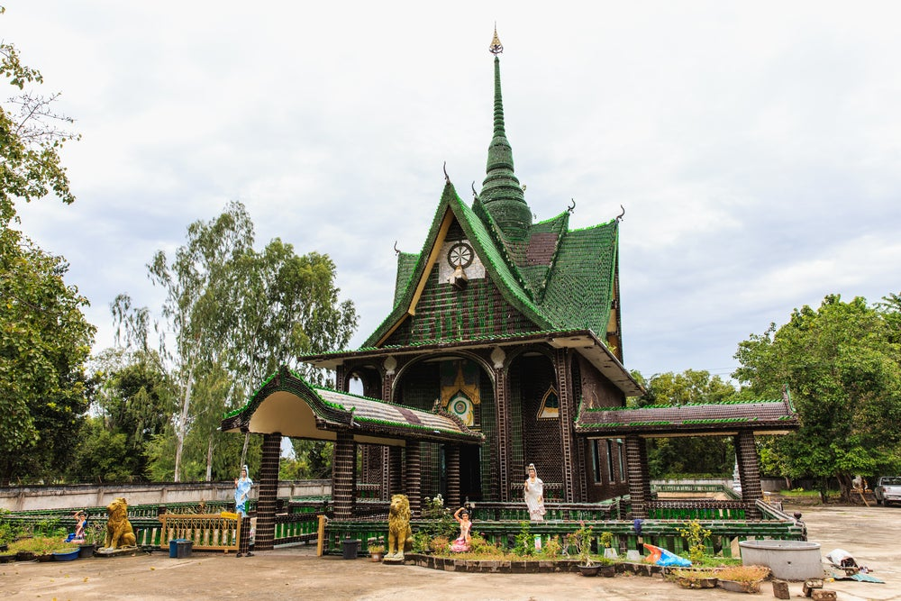 Wat Pa Maha Chedi Kaew en Tailandia