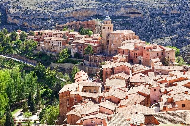 Pueblos bonitos: vista de Albarracín