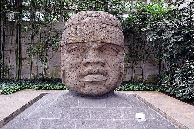 Cabeza colosal en México