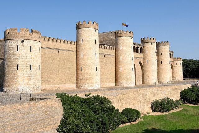 Exterior del castillo de la Aljafería