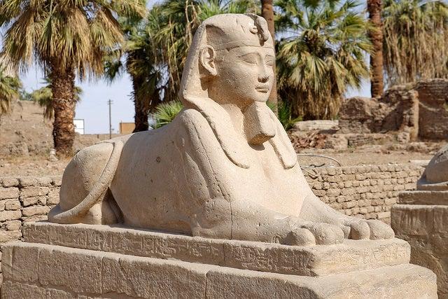 ESfinge en el templo de Luxor