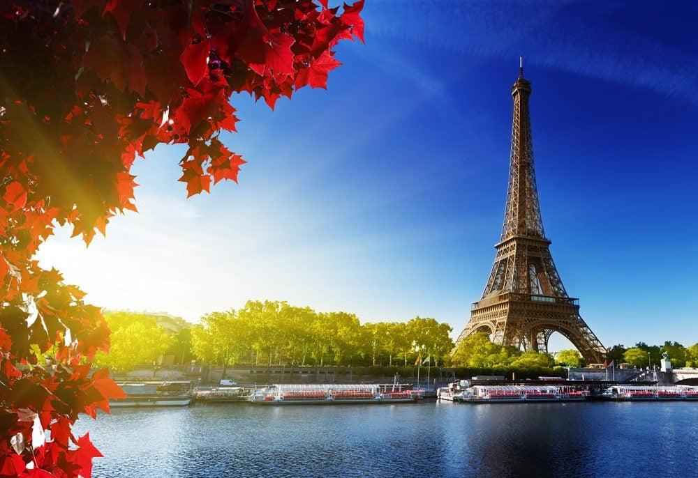 Torre Eiffel en París, la Ciudad de la Luz
