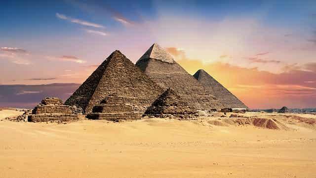 Las 3 pirámides de Guiza: historia y leyendas