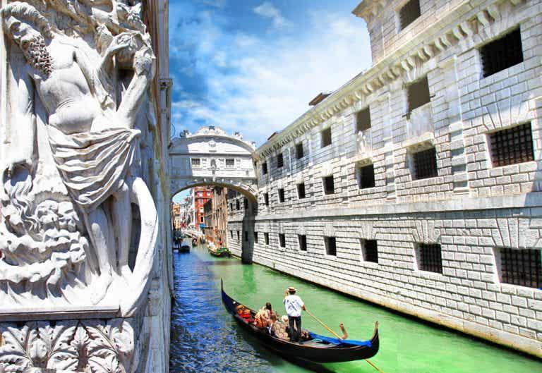 7 sitios para comer cerca del puente de los Suspiros de Venecia