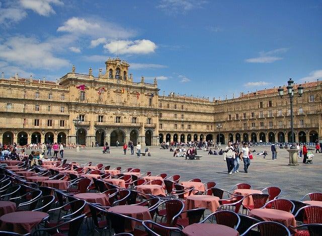 Su forma una de las curiosidades de la Plaza Mayor de Salamanca