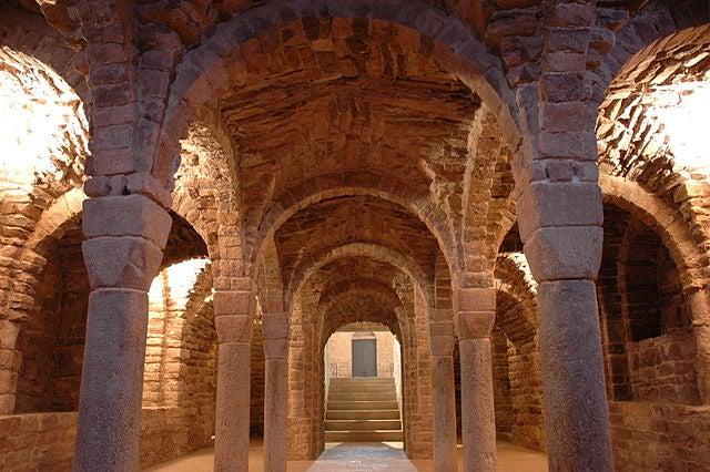 Cripta de San Vicente de Cardona
