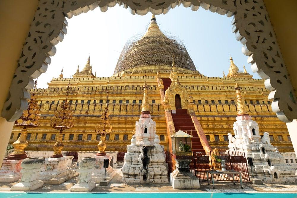 Shwezigon Paya en Bagan