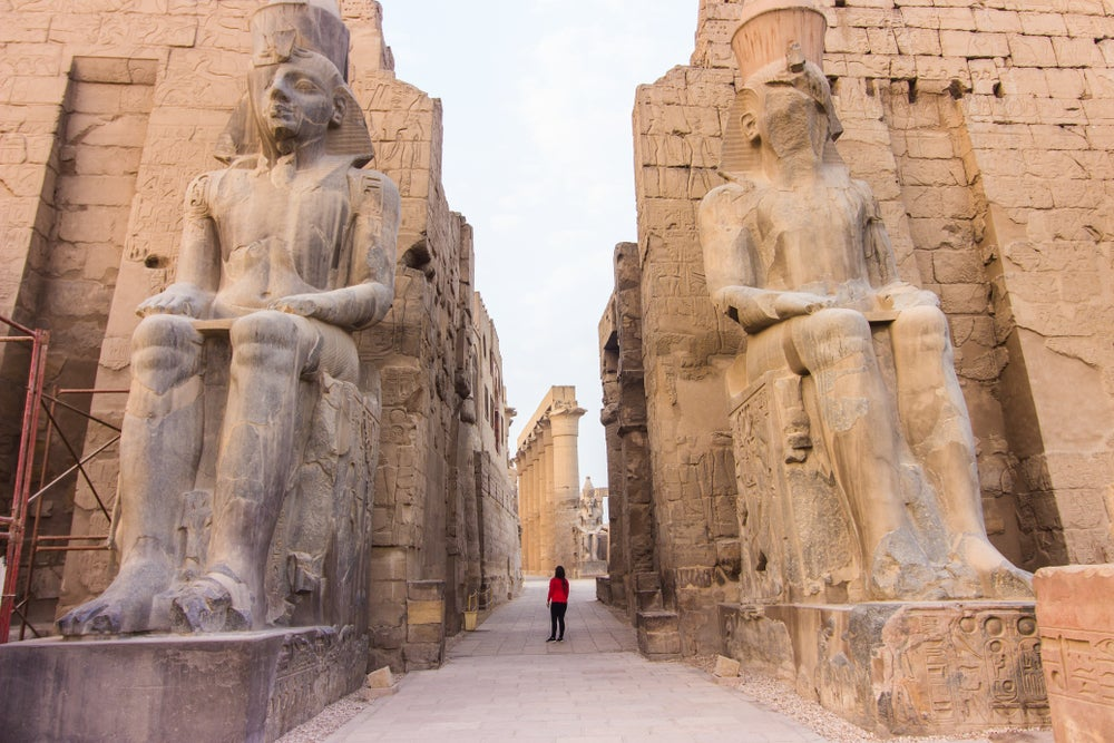Estatuas de Ramsés II en el Templo de Luxor