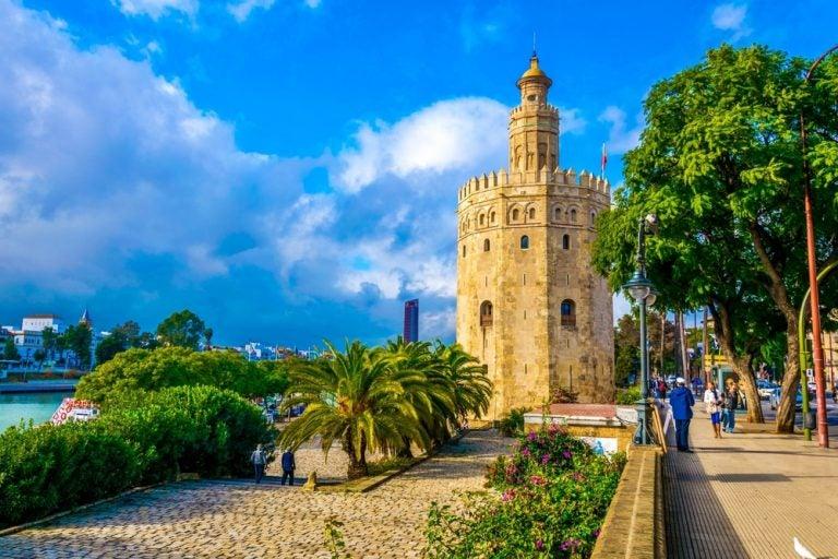Cómo llegar a la Torre del Oro de Sevilla