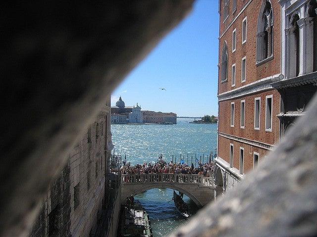 Vista desde el interior del puente