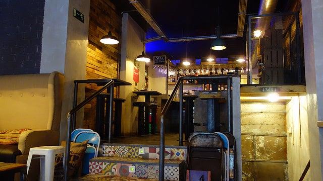 Bar en el barrio de Malasaña en Madrid