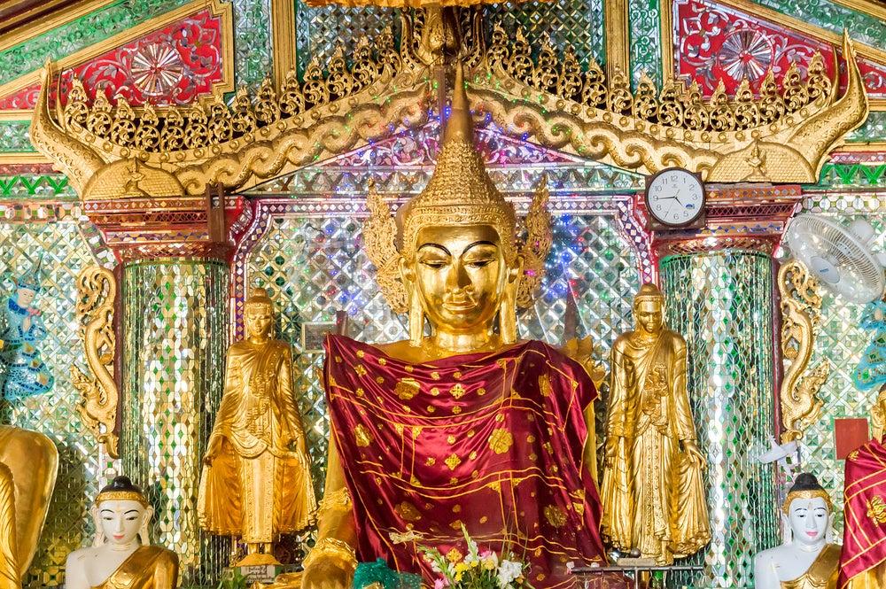 Buda dorado en el templo de Yangón