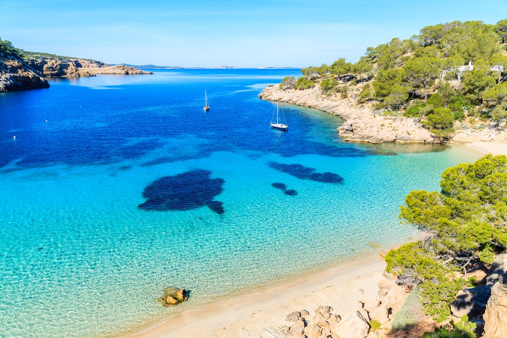 Cala Salada en la isla de Ibiza